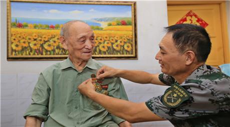 专访96岁抗战老战士常叙浩