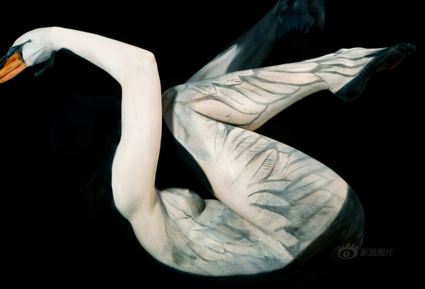 艺术家创作超逼真人体彩绘