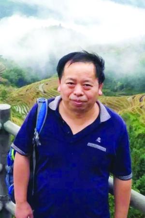 """万年人吴伯冰:负责研制天宫二号""""天极""""望远镜"""
