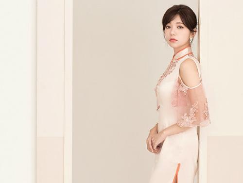 郭雪芙旗袍写真显玲珑身段 古典美的民国缪斯