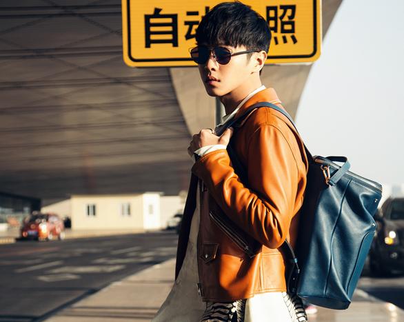 张若昀橘色夹克