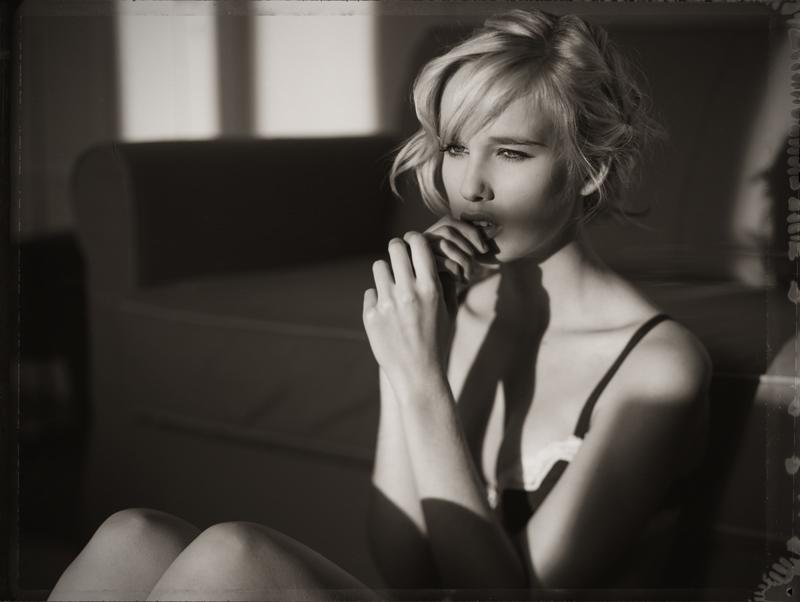 记录婉约之美 格调黑白人像摄影作品欣赏