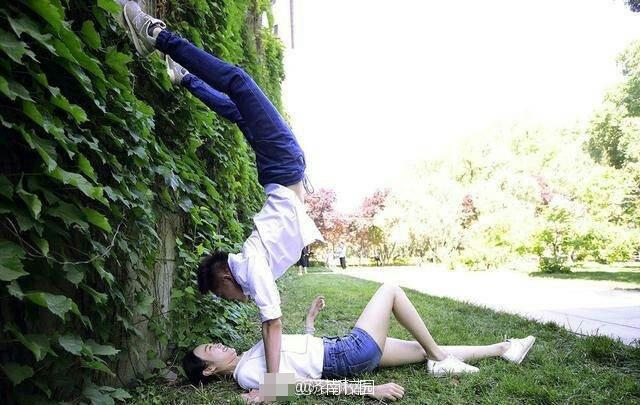 舞蹈系学生毕业照 网友:解锁各种姿势