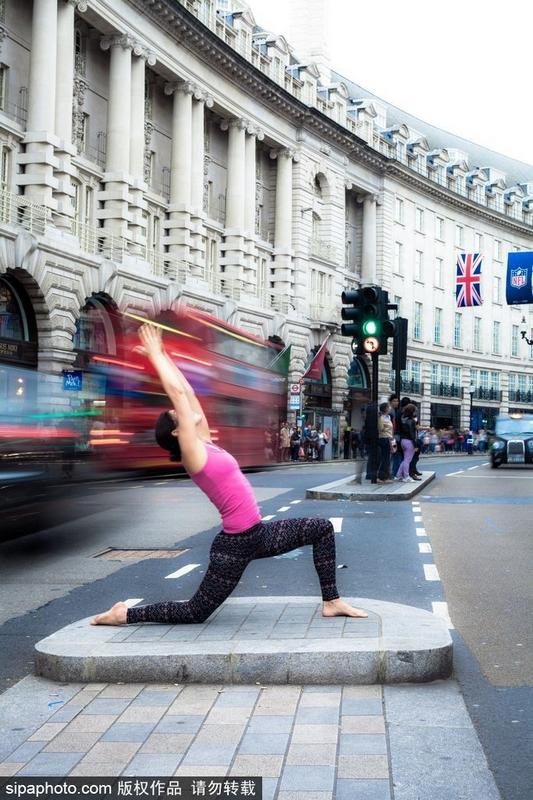 世界各地美女瑜伽达人上演高难度动作