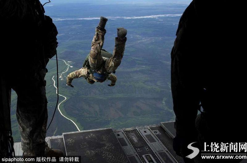 美国空军罕见照片场面震撼似大片