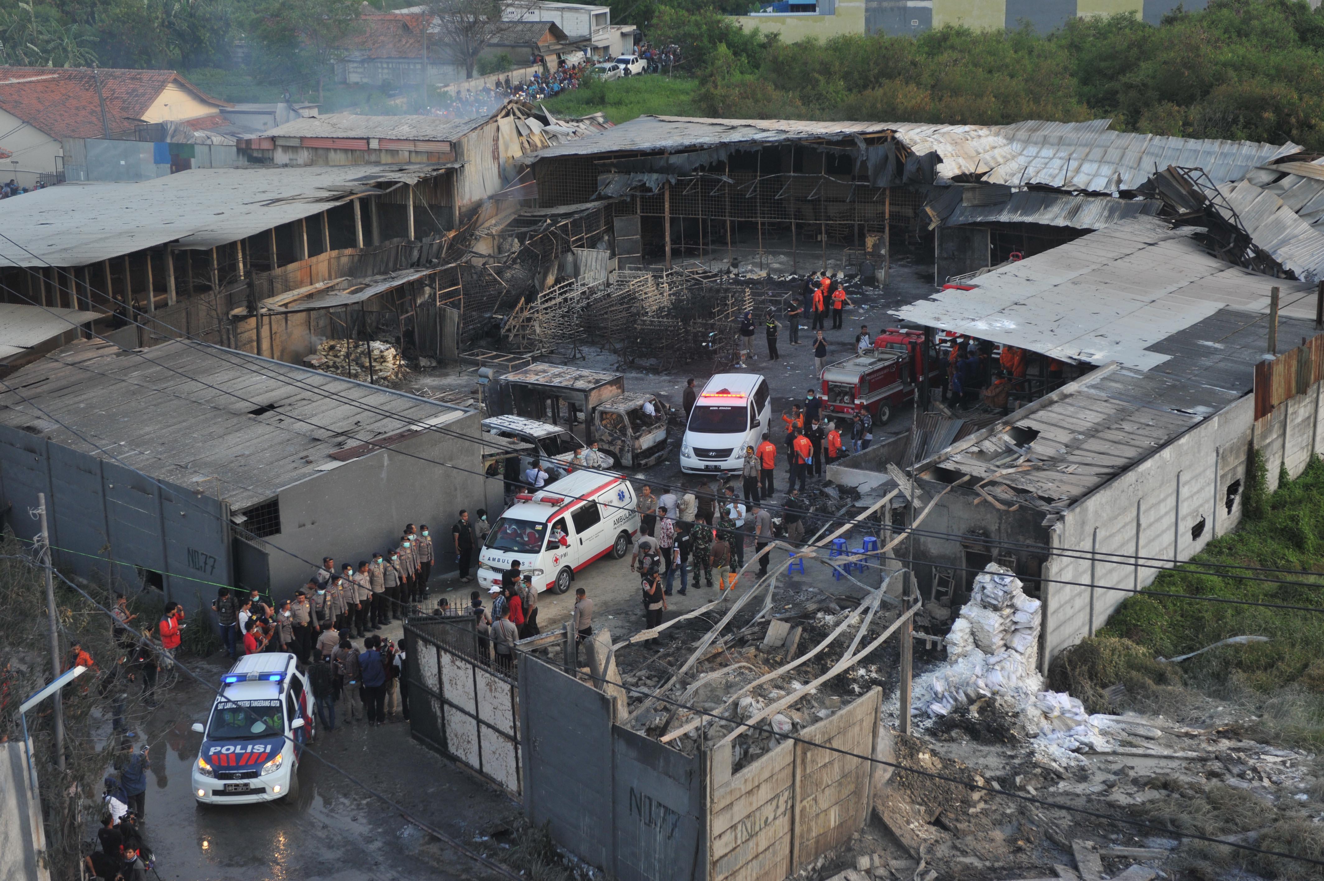 印尼一烟花厂爆炸至少47人死亡
