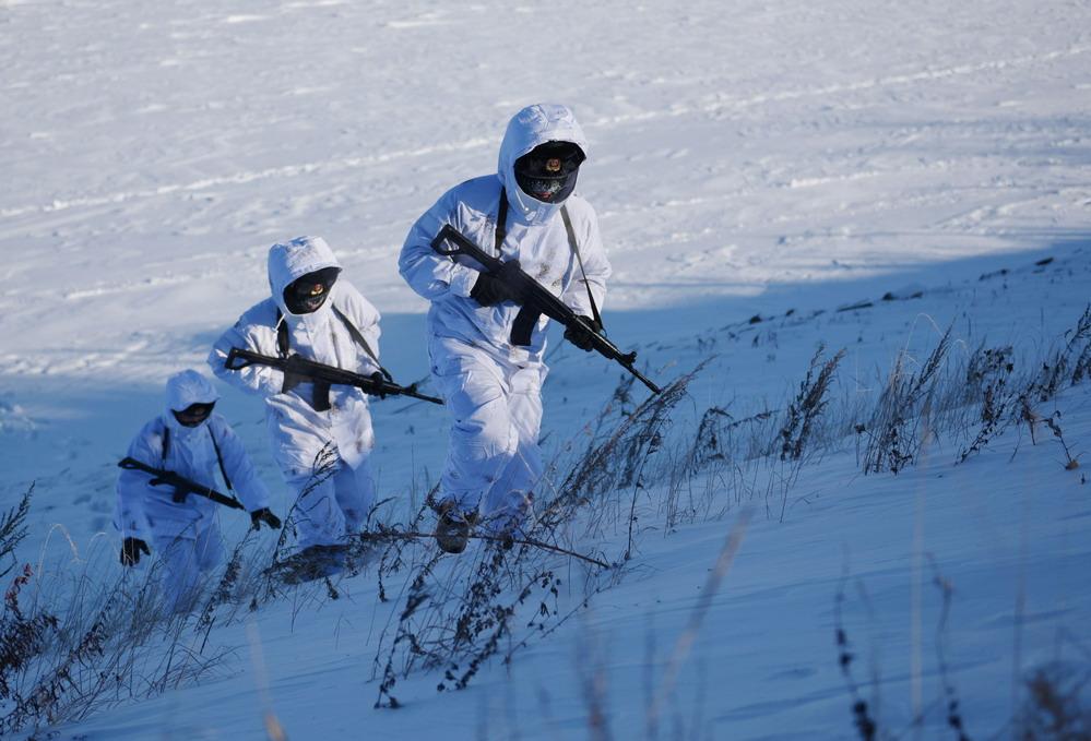 坚守在严冬——黑龙江塔河边防官兵极寒天气徒步巡边