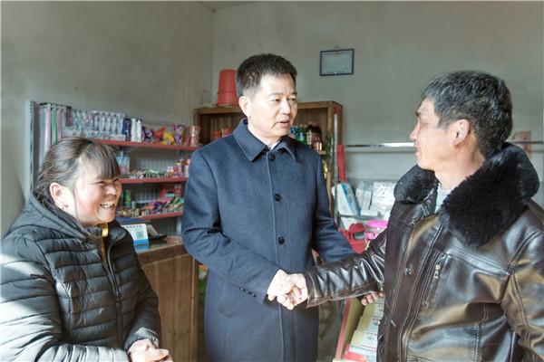 春来草木知 深情暖民心  马承祖在玉峰村走访慰问优抚对象和困难群众