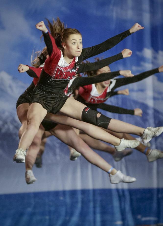 温哥华第12届国际啦啦队锦标赛开赛