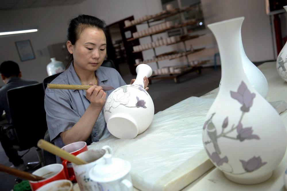 陕西铜川:千年耀瓷焕新生