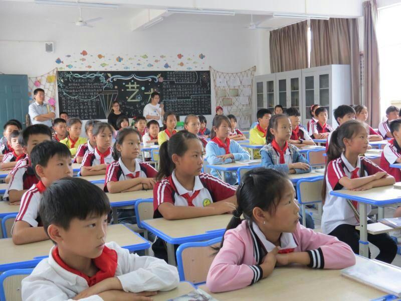 """树立环保理念   强化环保意识            ——绕二小学开展""""美丽中国,我是行动者""""主题教育活动"""
