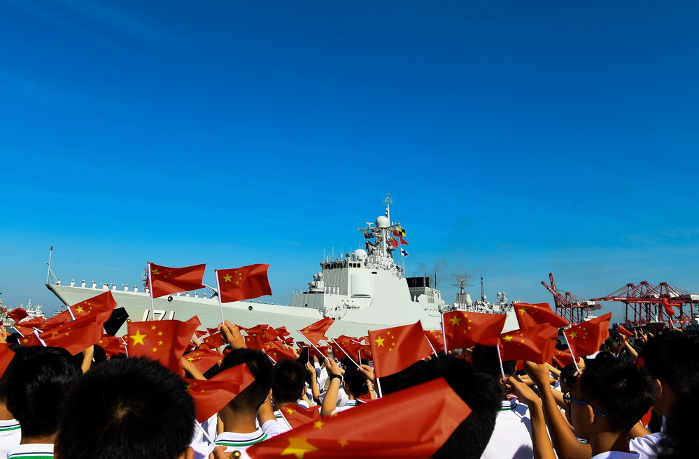 万里海疆写忠诚——记海军某驱逐舰支队海口舰