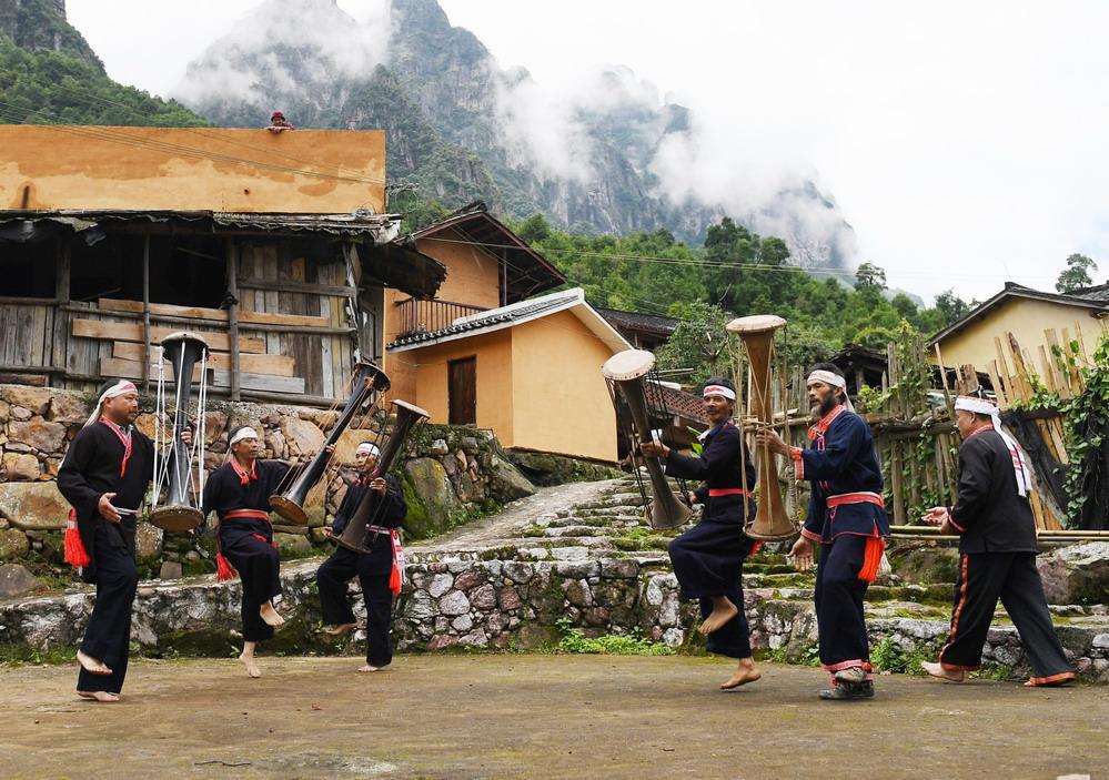 广西金秀:黄泥鼓舞助推乡村文化振兴