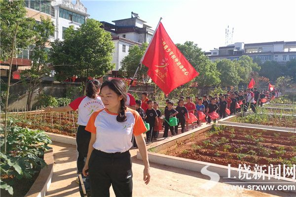 """【暖新闻·江西2018】148名学生志愿者参加""""我是劳动小能手""""活动"""