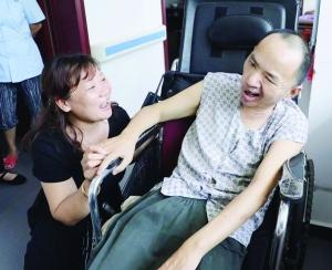 爱心值爆表 社区服务队持续7年帮扶困难老人