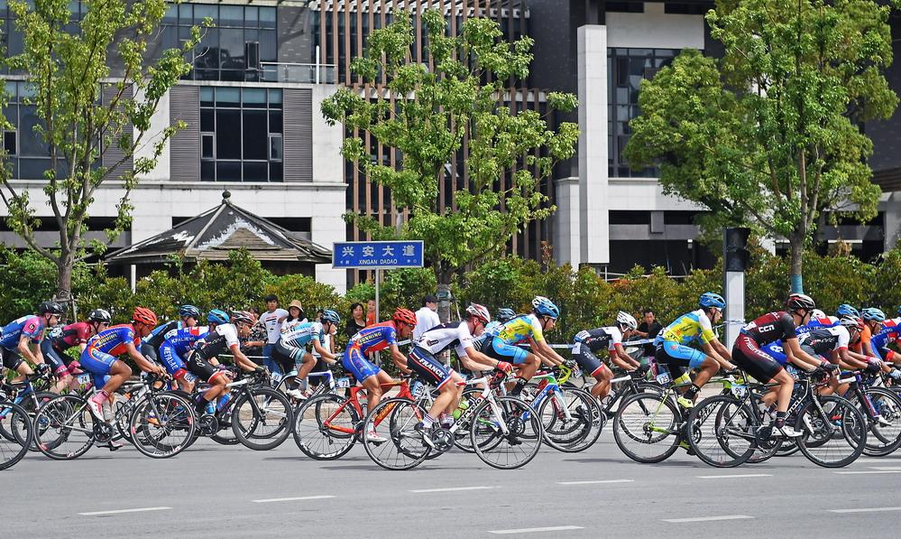 第九届环鄱阳湖国际自行车赛开赛