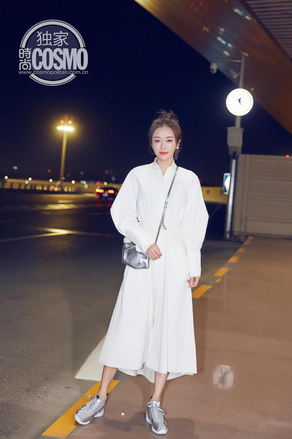 秦岚受邀出发米兰时装周 一袭白裙恬淡可人