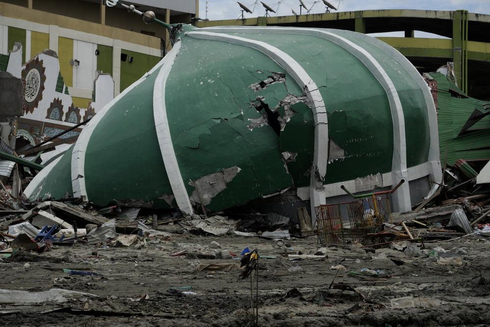 印尼强震及海啸殒命人数升至1948人