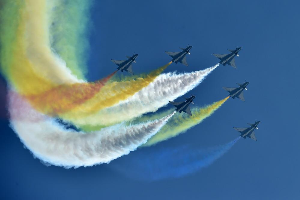 中国空军飞行演出奇光异彩