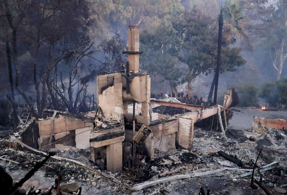 野火持续肆虐加州