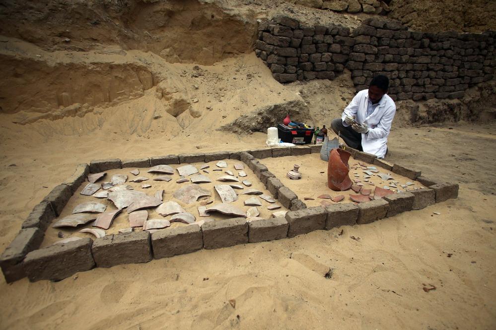 埃及塞加拉古墓群新发明7座法老墓葬