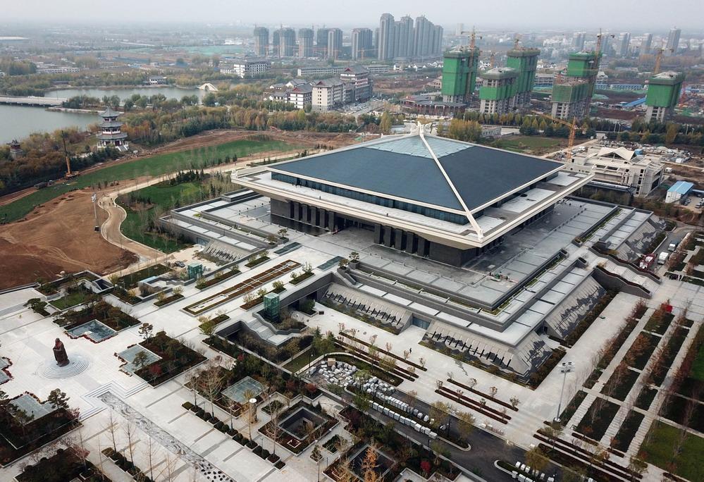 孔子博物馆开馆试运转 首批2000多件孔府文物搬入新家