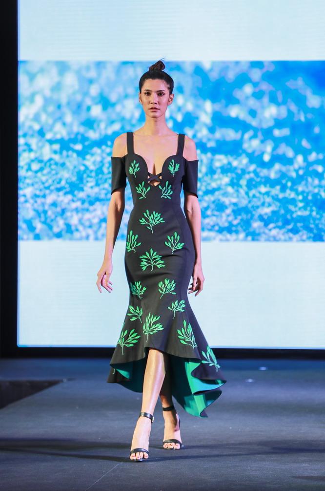 中国元素冷艳表态泰丝国际古装周