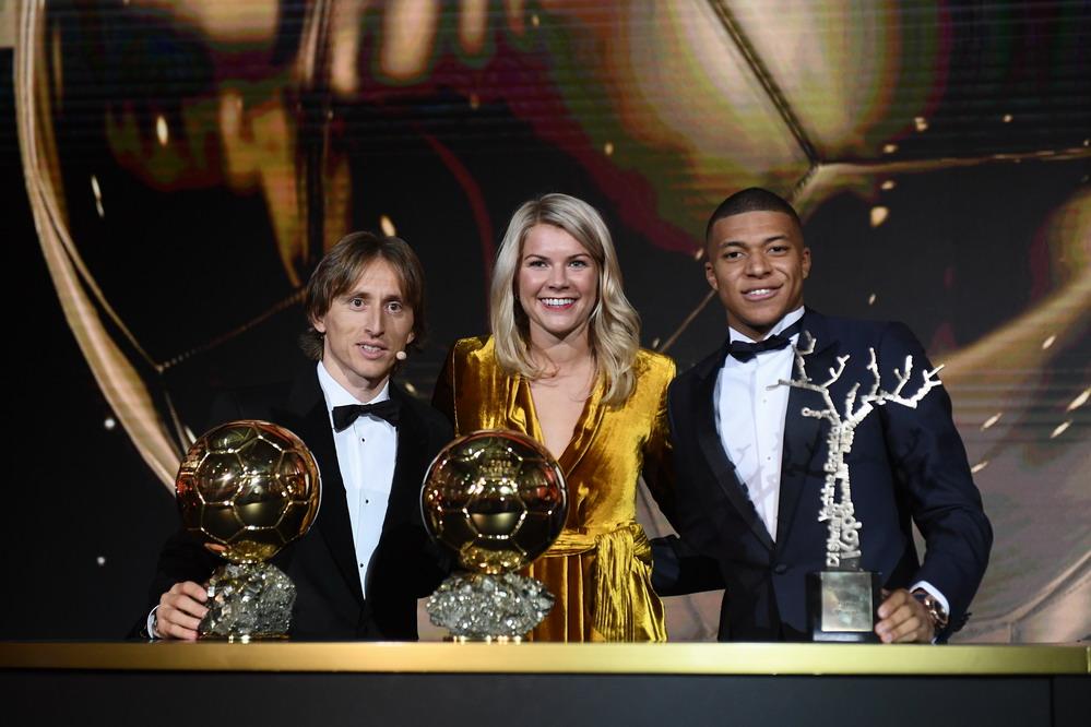 2018金球奖颁奖仪式在巴黎举行