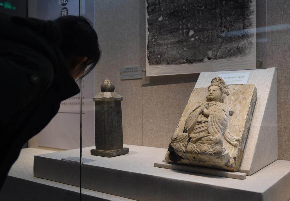 辽金东京地区文物展在京开展