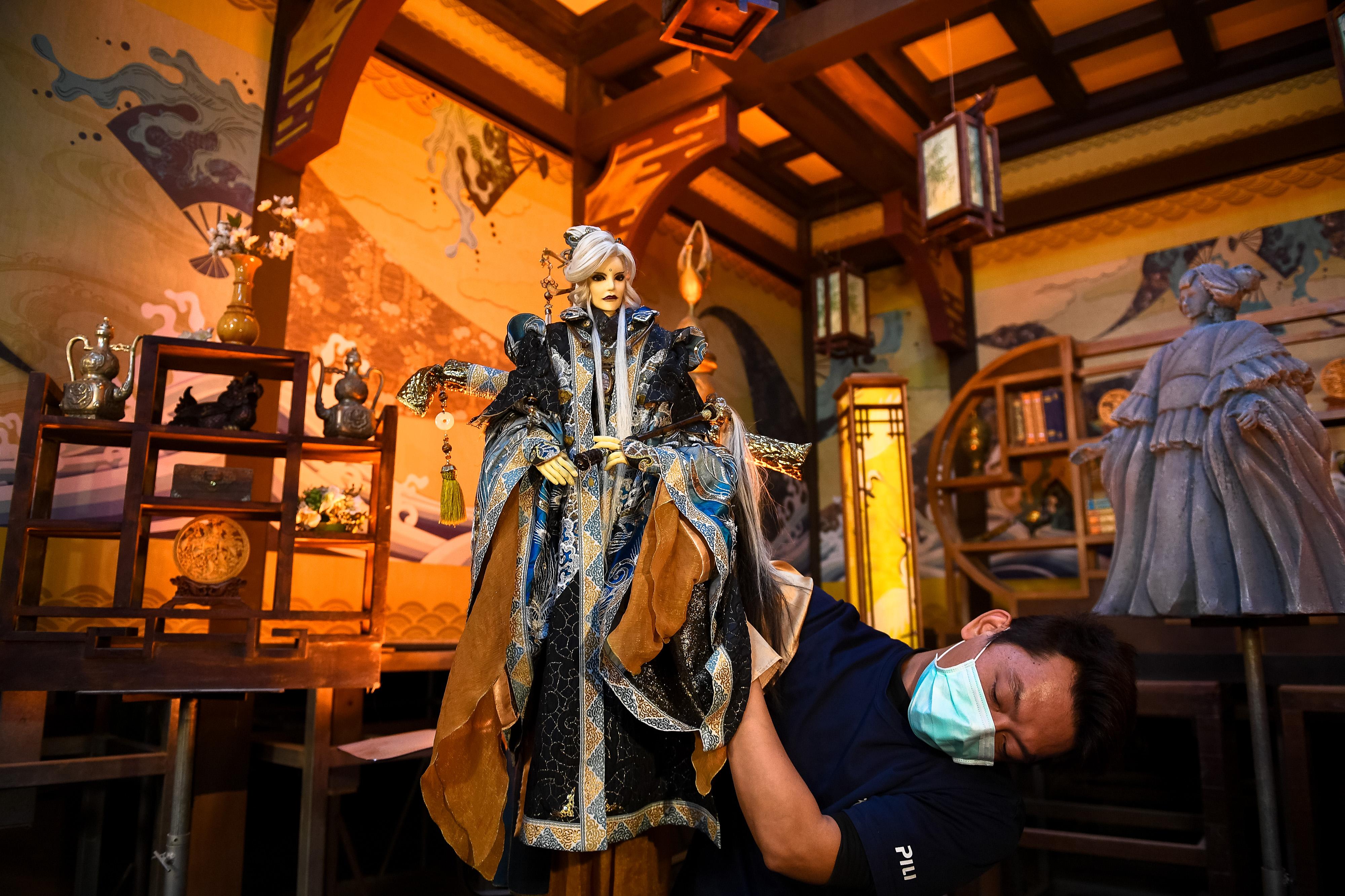 让传统的成为流行的——访台湾云林布袋戏传人黄强华