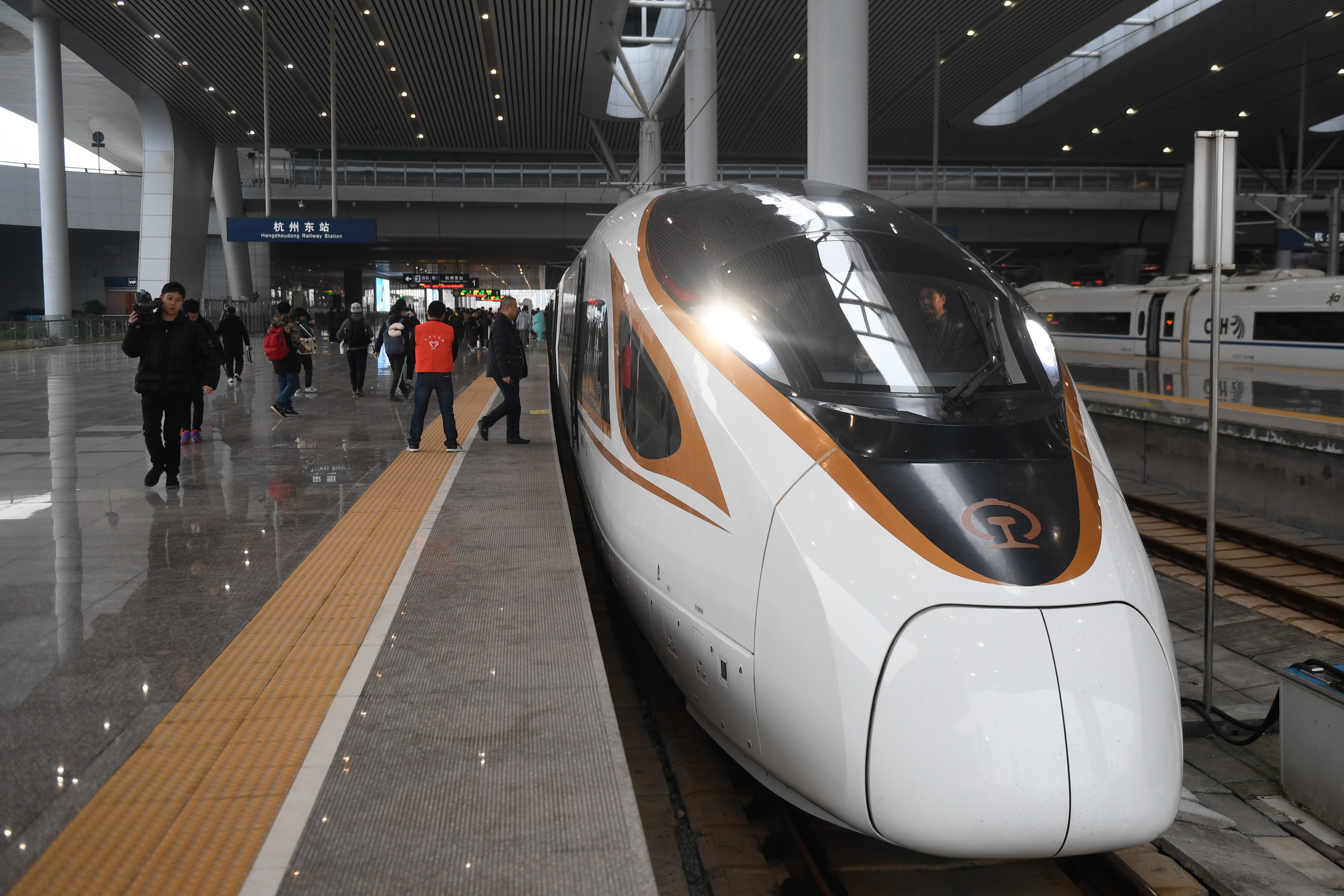 杭黄高铁正式通车