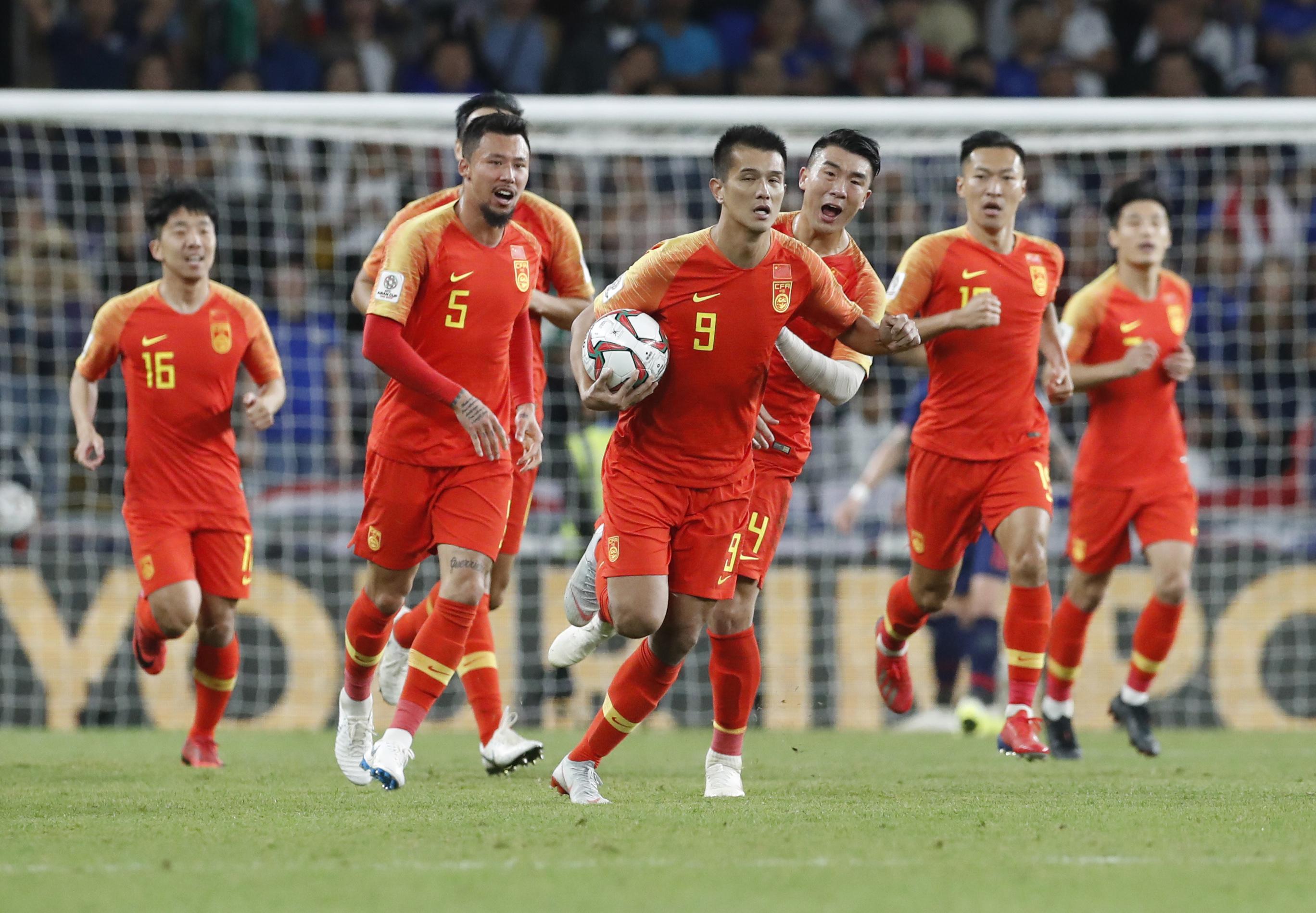 足球——八分之一决赛:中国对阵泰国