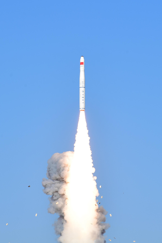 """我国乐成发射""""吉林一号""""光谱01/02星 搭载发射灵鹊-1A星"""