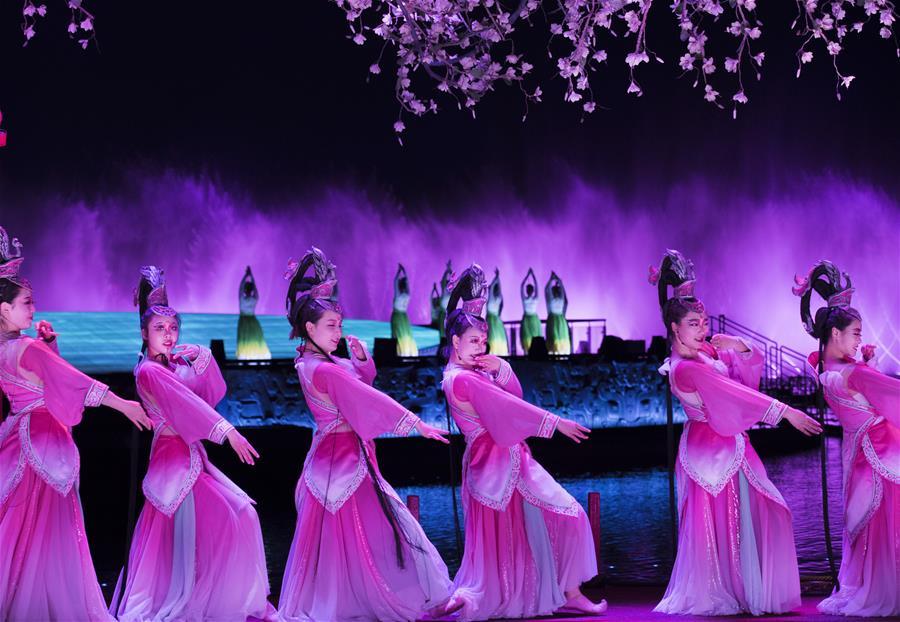 大型水上实景剧《天汉传奇》在汉中演出