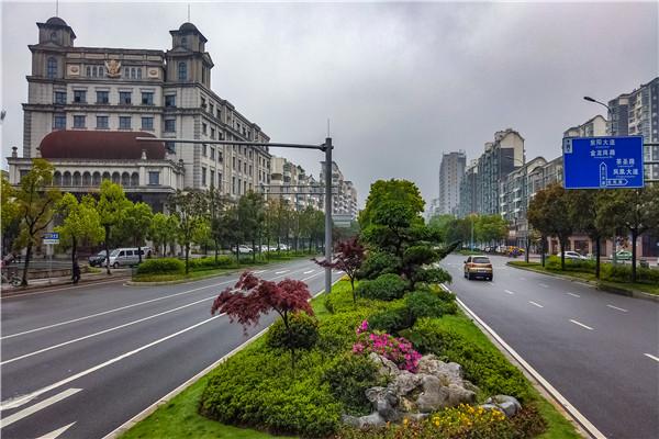 一座城 一个梦 ——我市全力创建国家卫生城市工作侧记