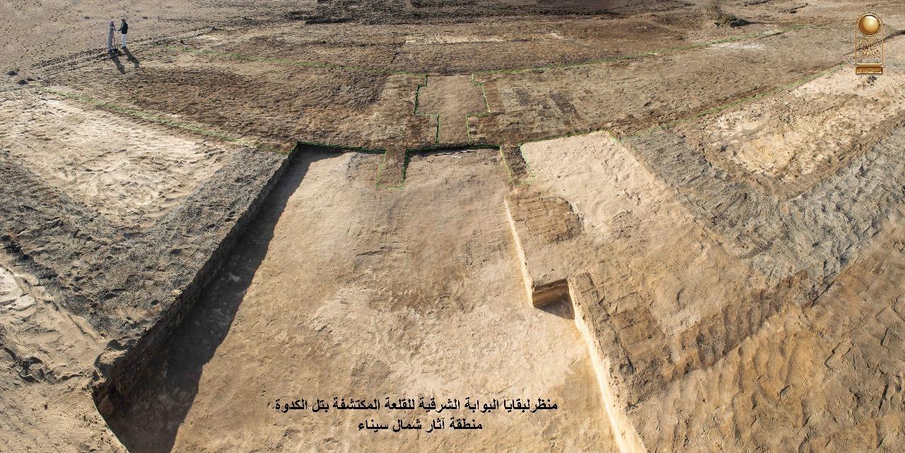 埃及考古队发掘出法老时期军事城堡