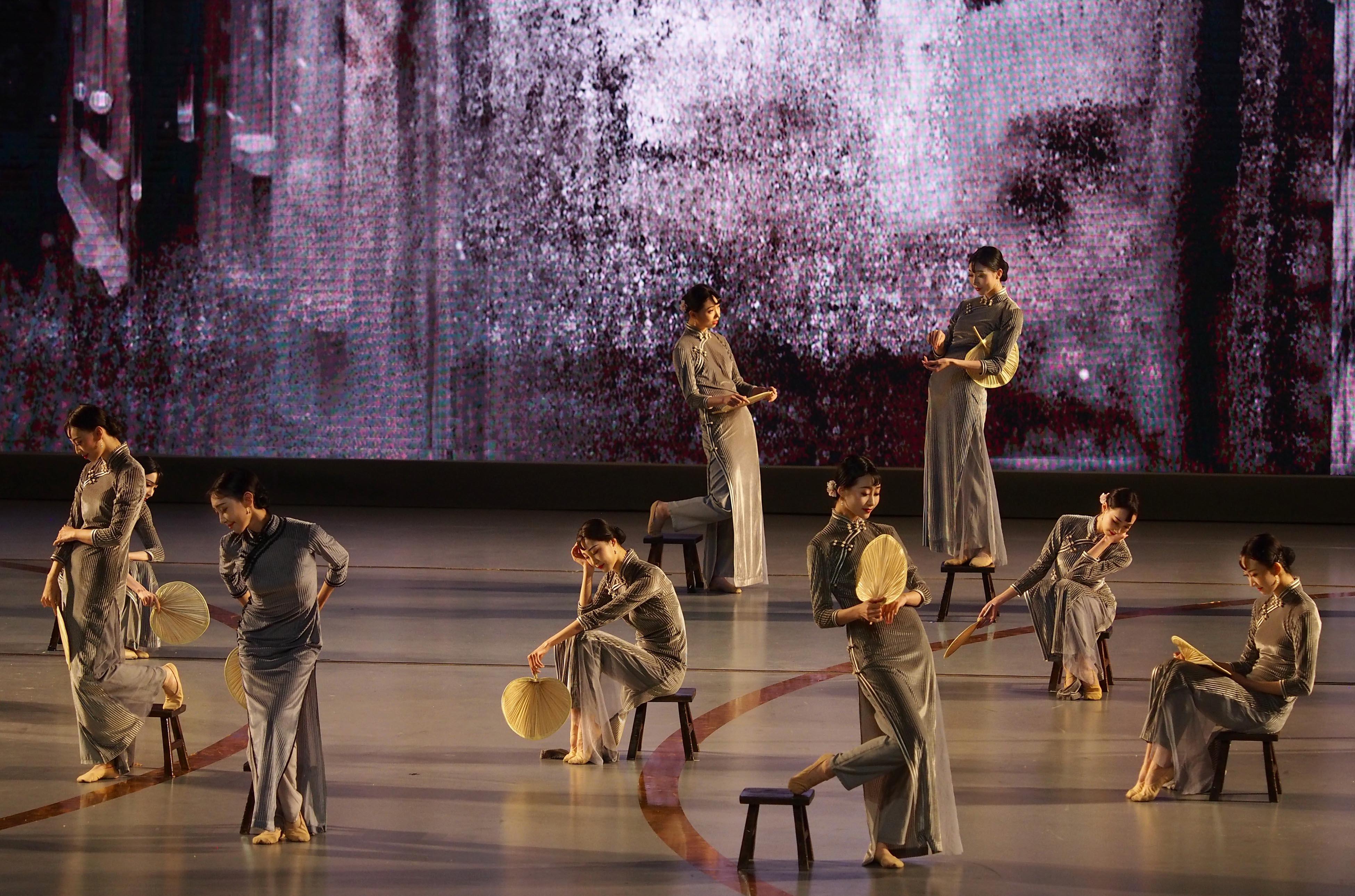 第十二届中国艺术节闭幕 第十六届文华奖揭晓