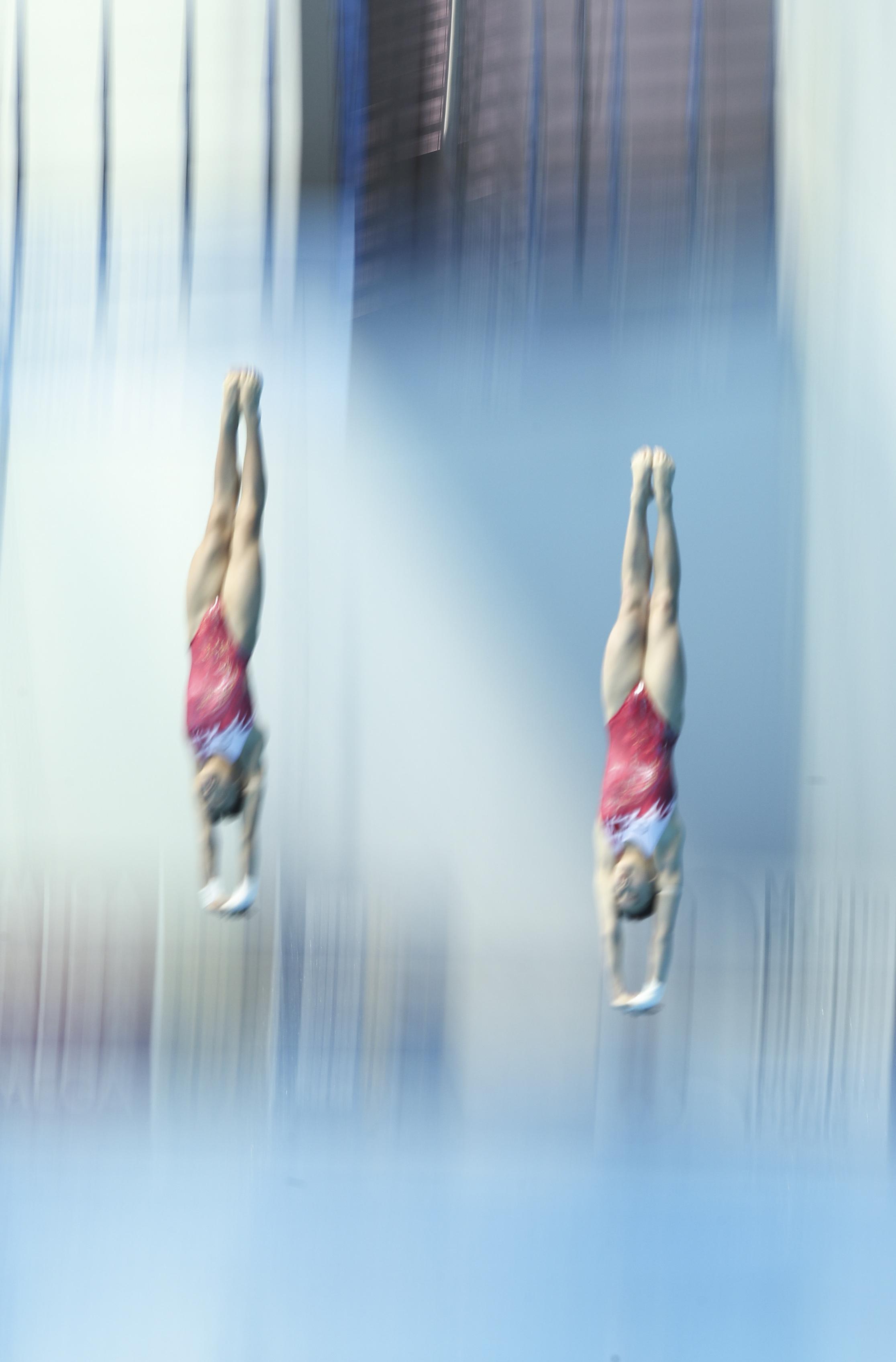 跳水——女双十米台决赛:卢为/张家齐夺冠