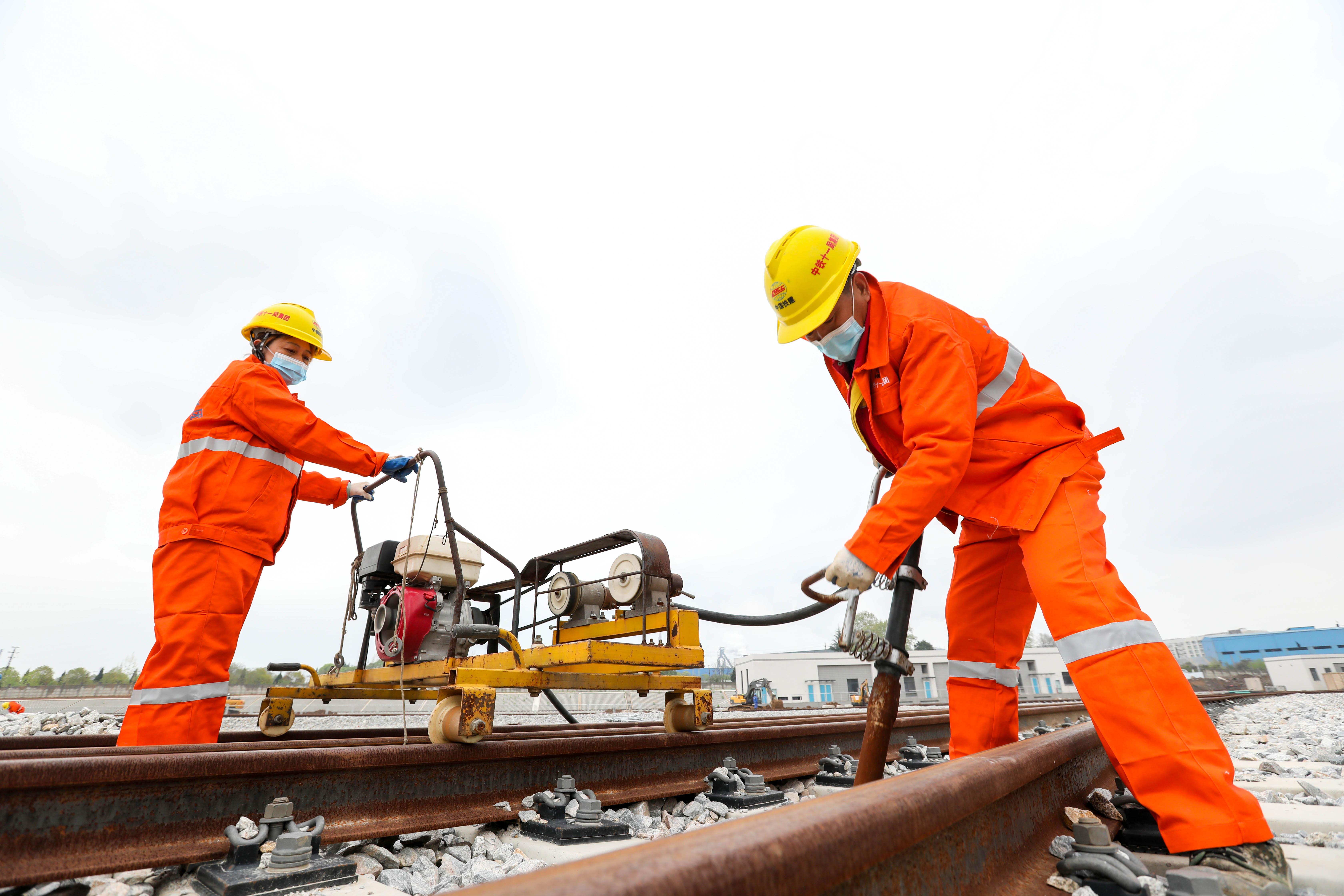 武汉地铁建设有序推进