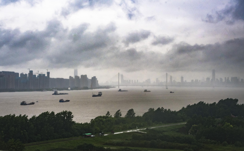 长江汉口站水位达到警戒水位