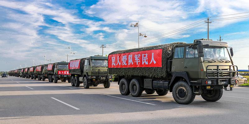 第72集团军某旅1500名官兵驰援鄱阳