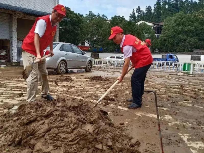 抗洪救灾 上饶教育系统在行动