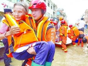 【暖新闻·江西2020】战疫之后再抗洪 95后消防员三度推迟订婚