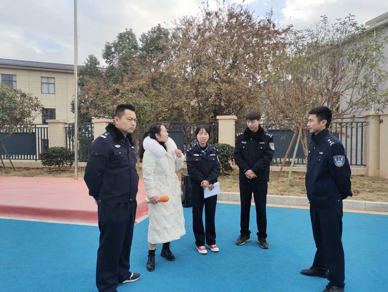 """枫岭头镇中心幼儿园开展""""警园联动·防拐防骗""""安全演练活动"""