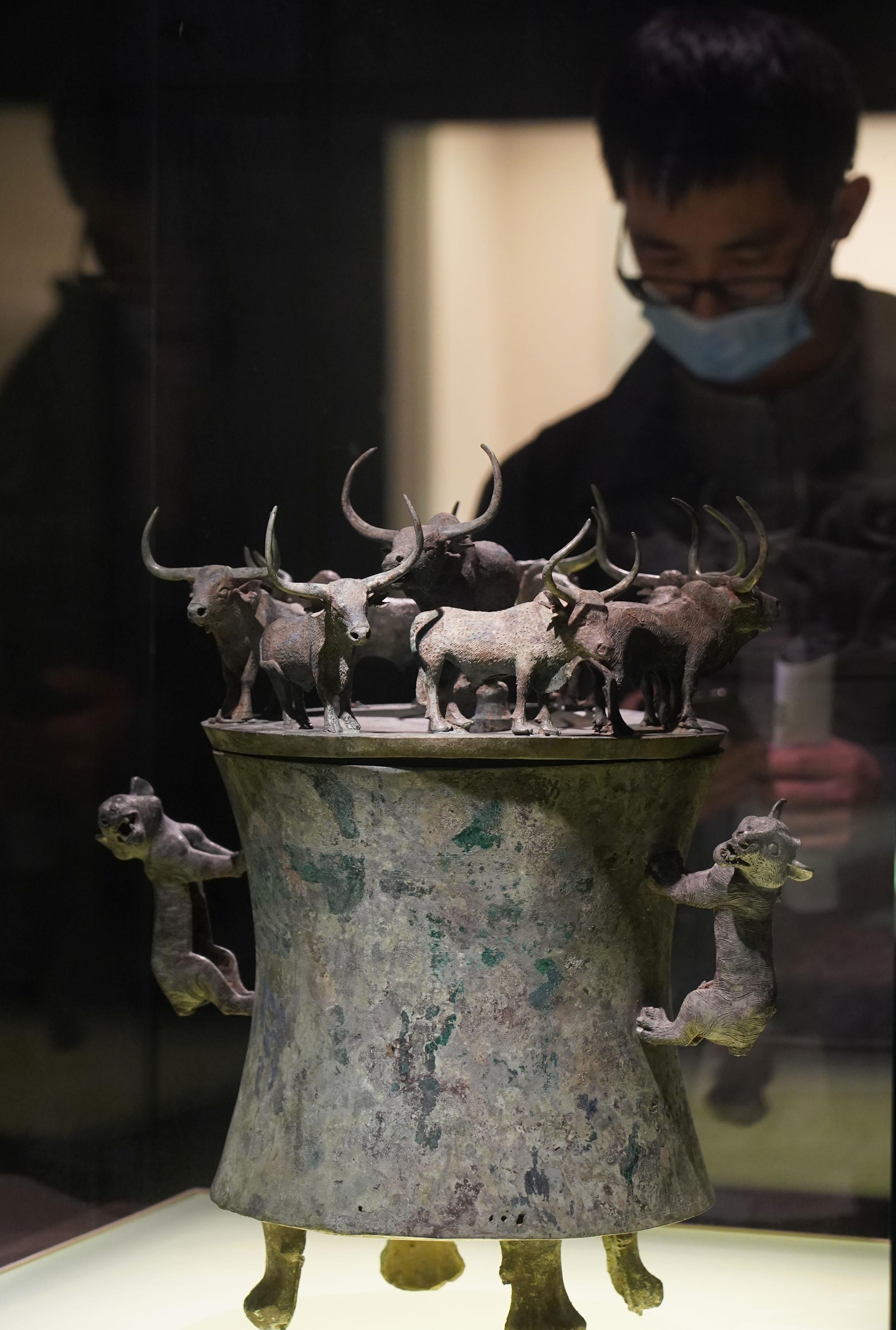"""牛年看""""牛""""——上海博物馆推出牛年生肖文物展"""