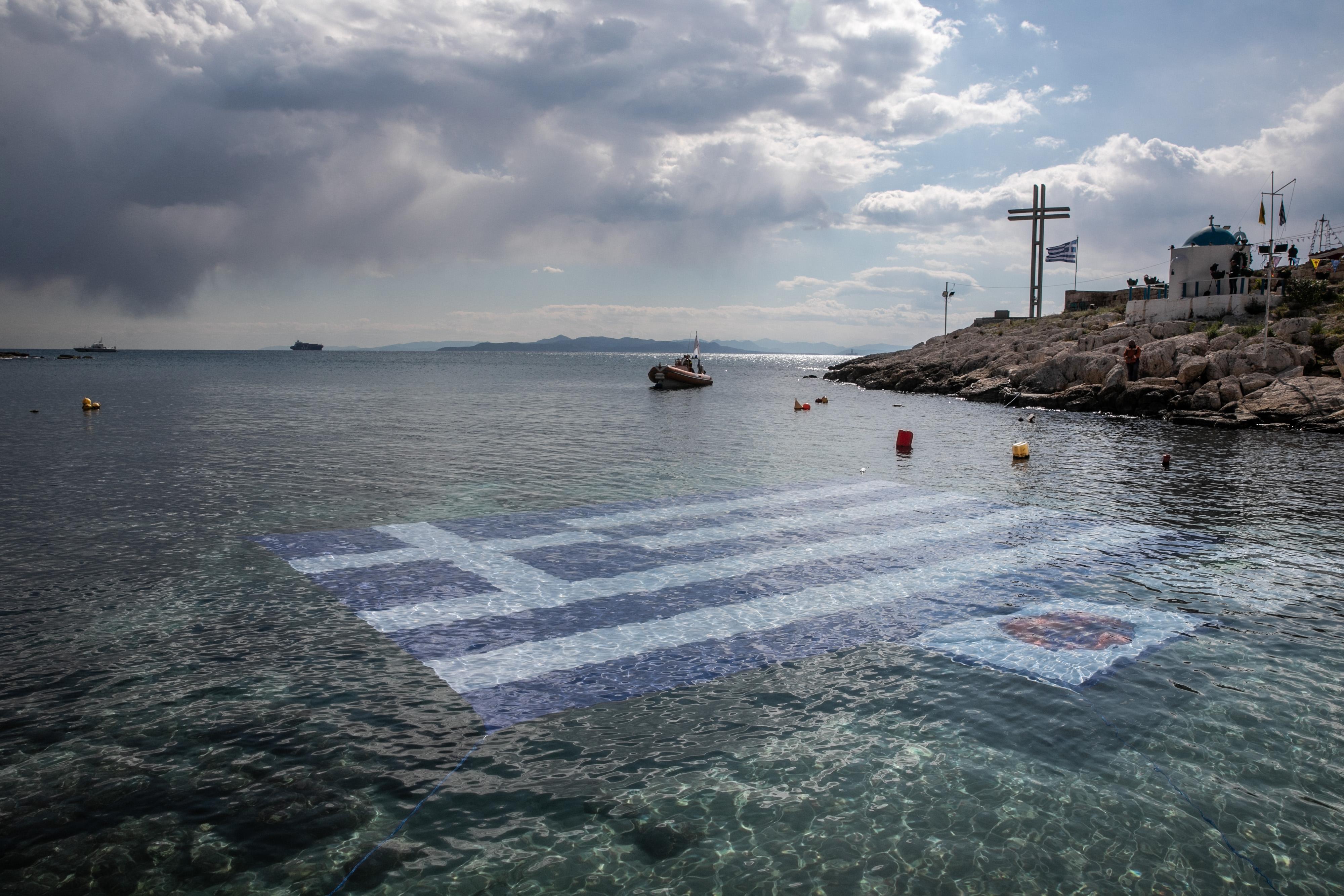 希腊举行独立战争200周年纪念活动