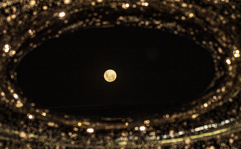 """悉尼:""""超级月亮""""现身夜空"""